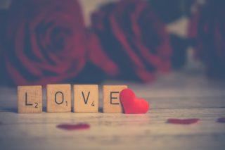 バレンタインデーとは? 由来・起源・歴史 「チョコを贈る日」になった理由